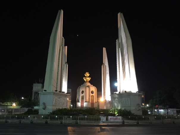 Bangkoks-Democracy-Monument-in-Old-City-closed-to-visitors.jpg